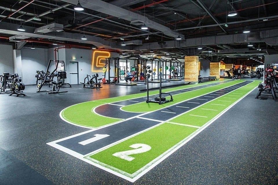 Les Salles de Gym de Dubaï Tentent de Se Remettre de la COVID-19